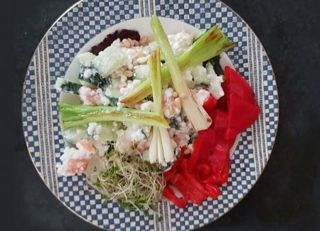 """Recept van de maand juli is """"Eiwitrijke zomerse salade"""""""